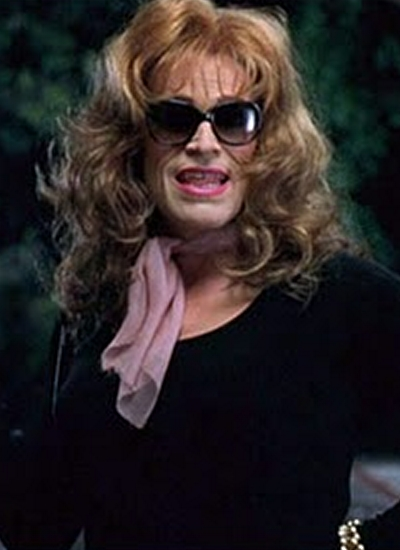 [Image: willem-defoe-dressed-in-drag.jpg]