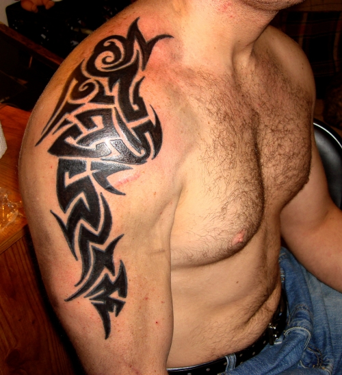40 most popular tribal tattoos for men for Tattoo ideas men shoulder