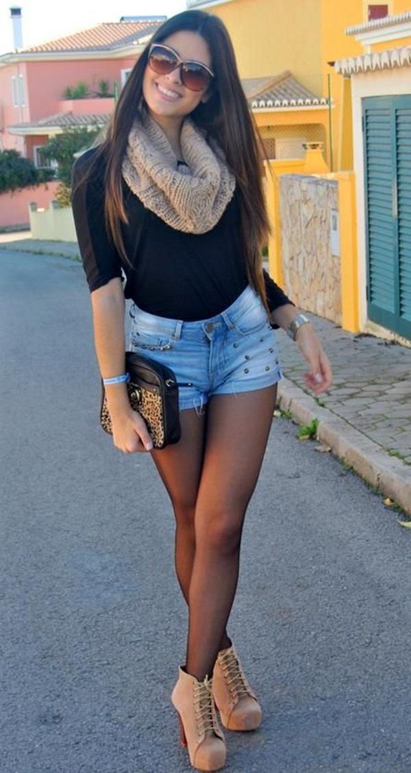image Falda azul milf tan caliente