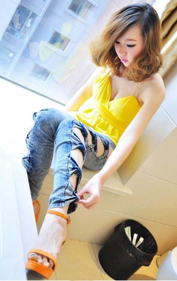 girls in skinny pants (164)