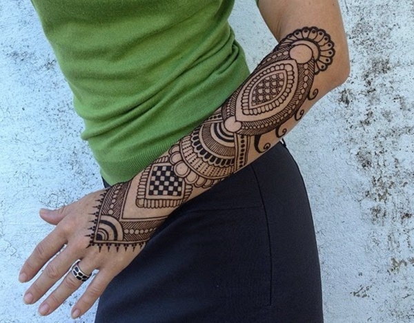 Mehndi Tattoo Hip : Striking henna tattoos design for girls