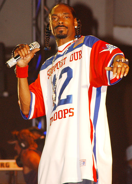 428px-Snoop_Dogg_Hawaii