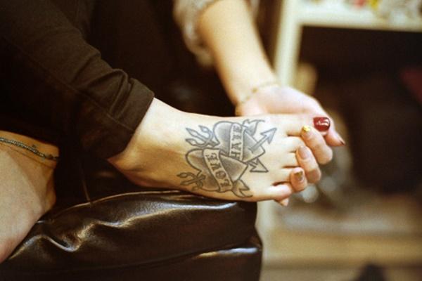foot tattoo design (97)