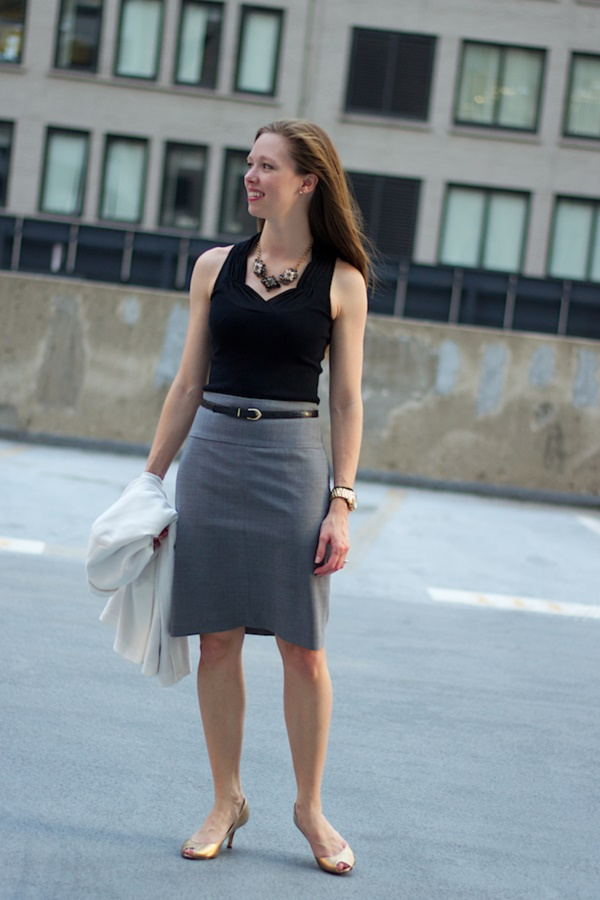 grey skirt outfit (35)