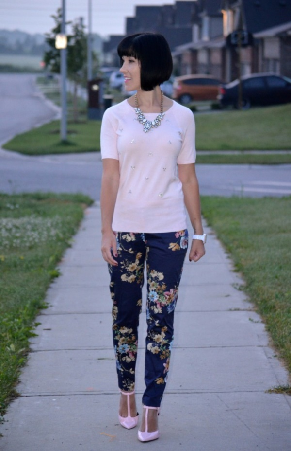 black floral pants outfits (6)