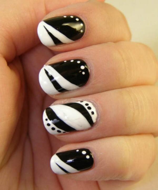 black nail arts (17)