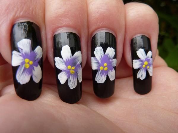 black nail arts (24)
