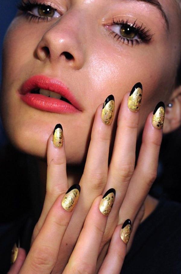 black nail arts (49)