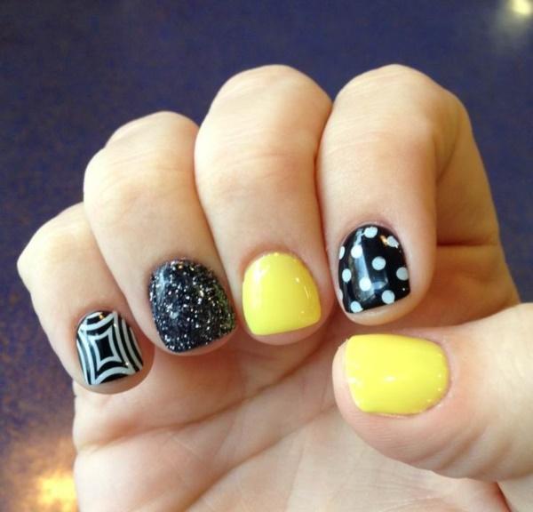 black nail arts (60)