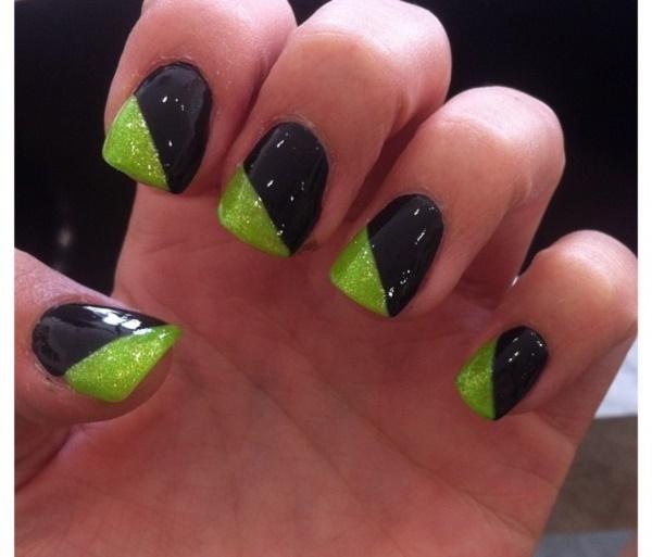 black nail arts (74)