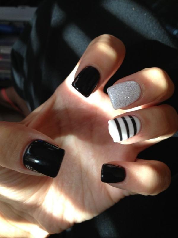 black nail arts (78)