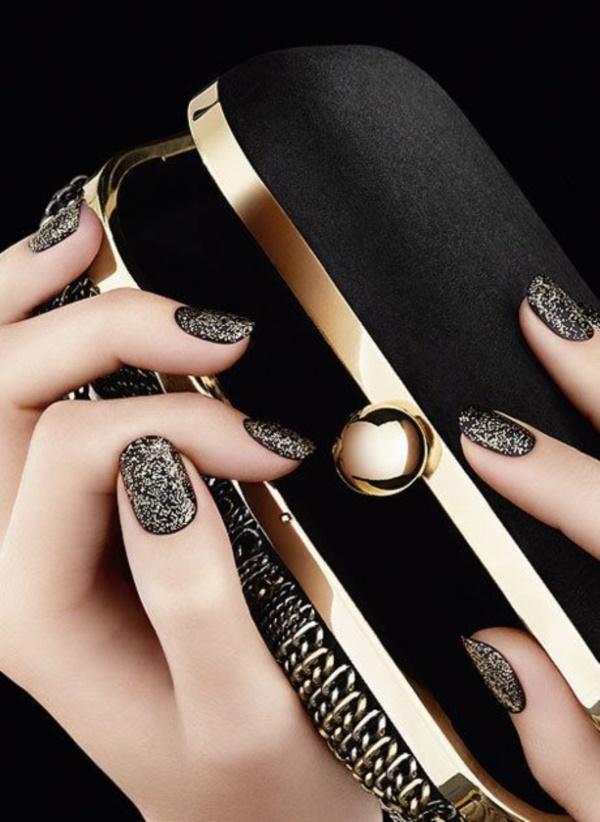 black nail arts (90)