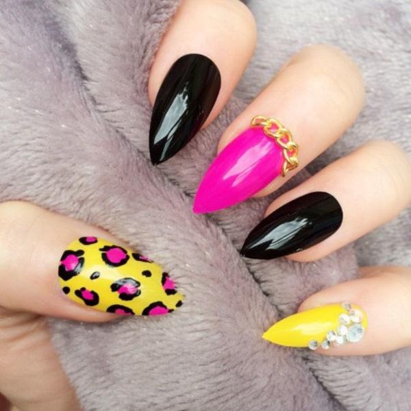 black nail arts (91)