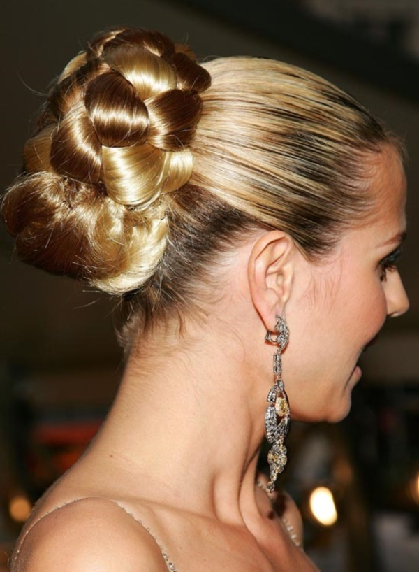 top knot bun Hairstyles (14)
