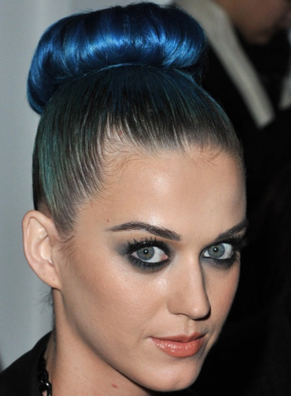 top knot bun Hairstyles (17)
