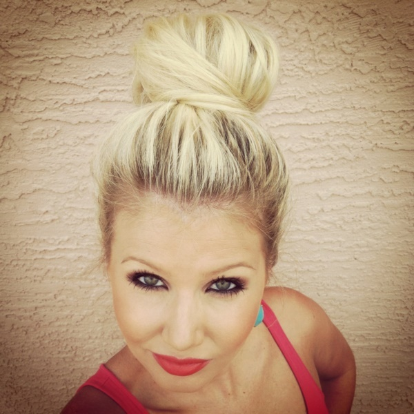 top knot bun Hairstyles (48)