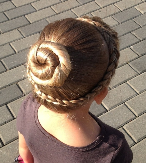 top knot bun Hairstyles (55)