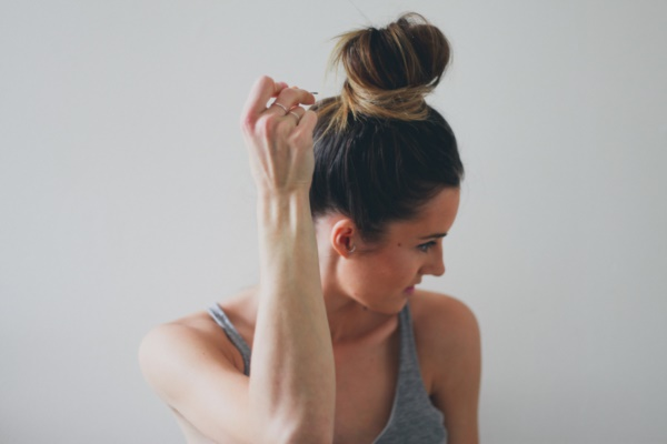 top knot bun Hairstyles (58)