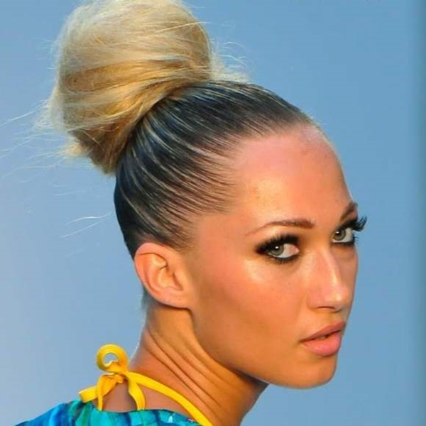 top knot bun Hairstyles (60)