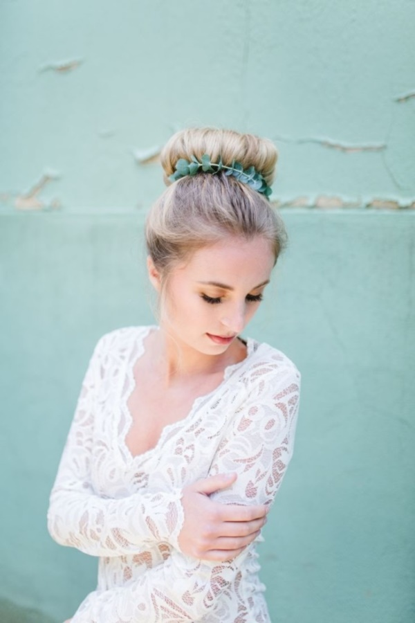 top knot bun Hairstyles (74)